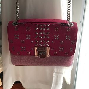 MK crossbody/shoulder strap Pretty in PINK